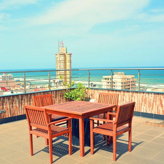 http://pearlgrouphotels.com/wp-content/uploads/2016/03/pearl-grand-hotel-sri-lanka-9-540x540.jpg