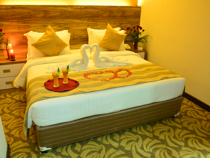 http://pearlgrouphotels.com/wp-content/uploads/2016/07/Honeymoon-Room.jpg
