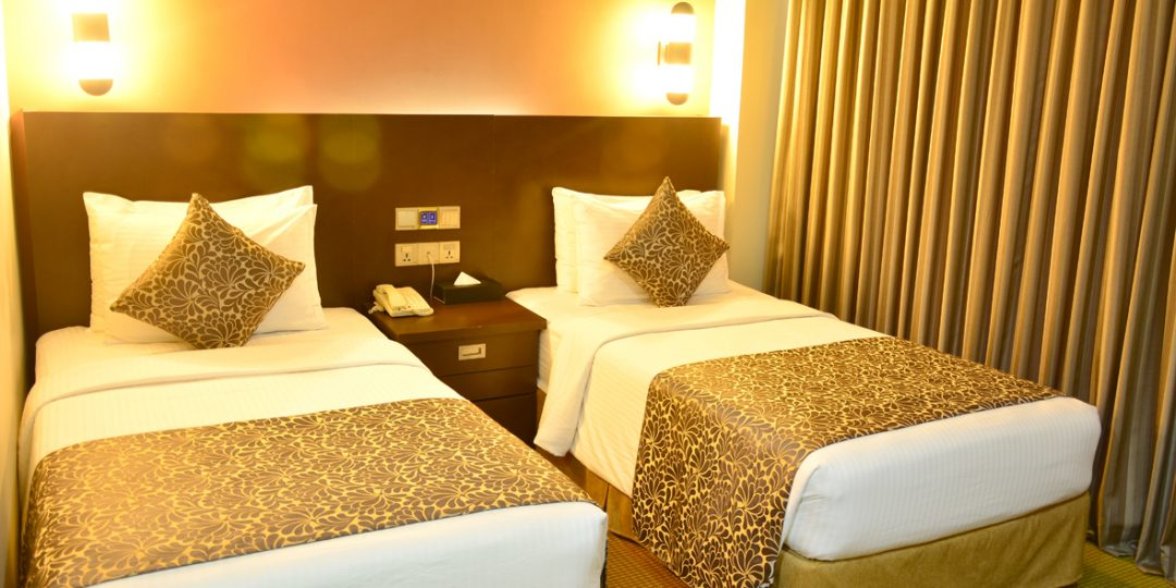 http://pearlgrouphotels.com/wp-content/uploads/2016/07/Superior-Deluxe-Twin-Room-1-1080x540.jpg