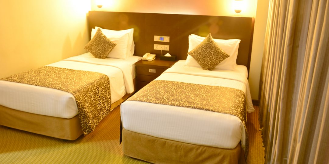 http://pearlgrouphotels.com/wp-content/uploads/2016/07/Superior-Deluxe-Twin-Room-2-1080x540.jpg