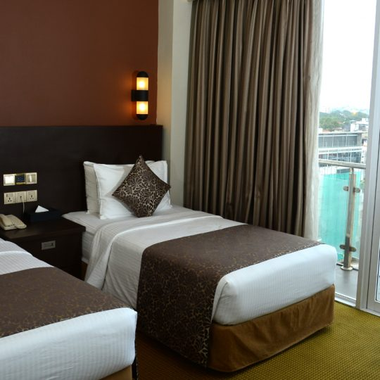 http://pearlgrouphotels.com/wp-content/uploads/2016/07/Superior-Deluxe-Twin-Room-3-540x540.jpg