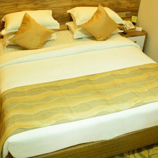 http://pearlgrouphotels.com/wp-content/uploads/2016/07/best_hotel_in_srilanka-1-540x540.jpg