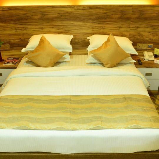 http://pearlgrouphotels.com/wp-content/uploads/2016/07/best_hotel_in_srilanka-2-540x540.jpg
