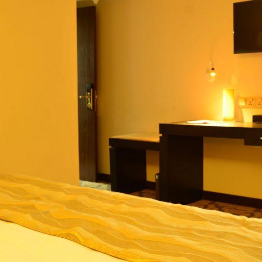 http://pearlgrouphotels.com/wp-content/uploads/2016/07/best_hotel_in_srilanka-3-540x540.jpg