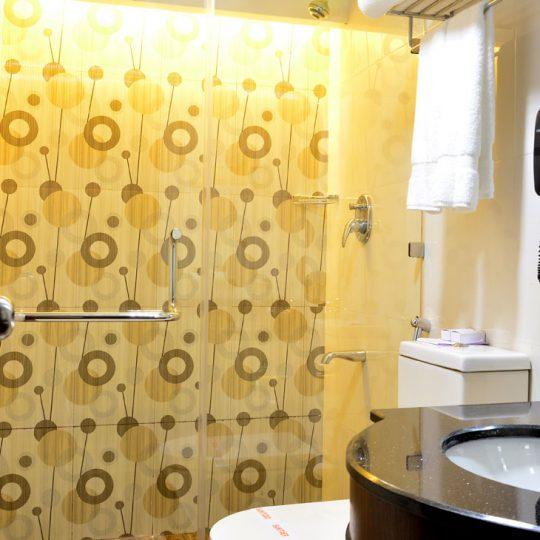 http://pearlgrouphotels.com/wp-content/uploads/2016/07/best_hotel_in_srilanka-4-540x540.jpg