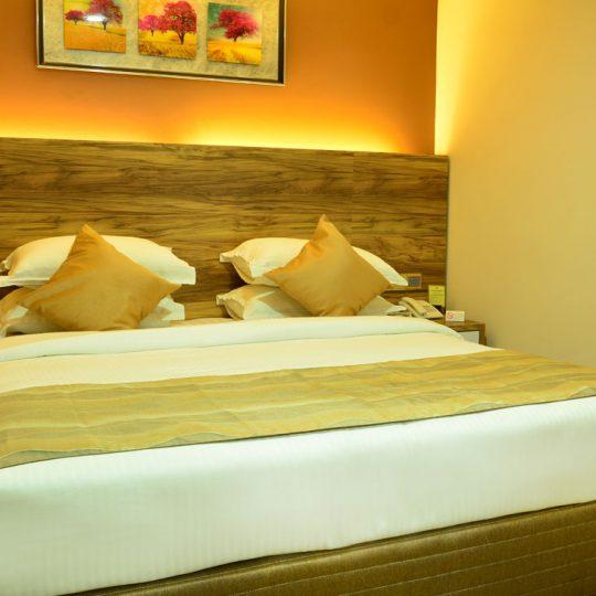 http://pearlgrouphotels.com/wp-content/uploads/2016/07/best_hotel_in_srilanka-540x540.jpg