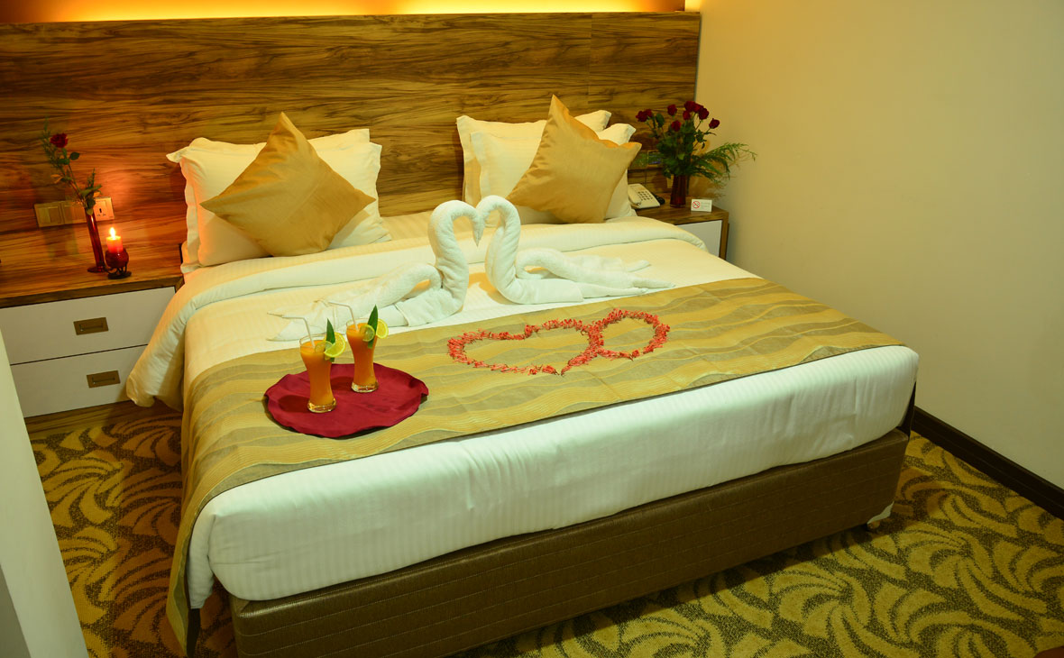 Superior Deluxe Honeymoon Suites Are Assured To Provide You A Memorable Stay With The Sensuous Ambiance It Encompasses