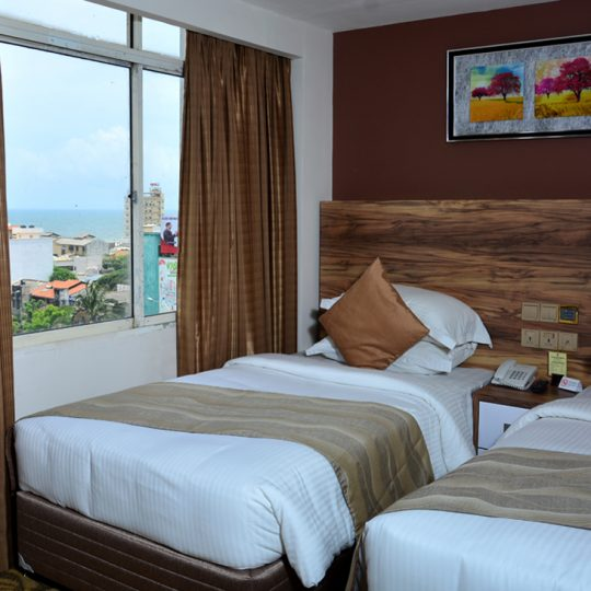 http://pearlgrouphotels.com/wp-content/uploads/2016/07/best_hotel_in_srilanka_Twin_Room_4-540x540.jpg
